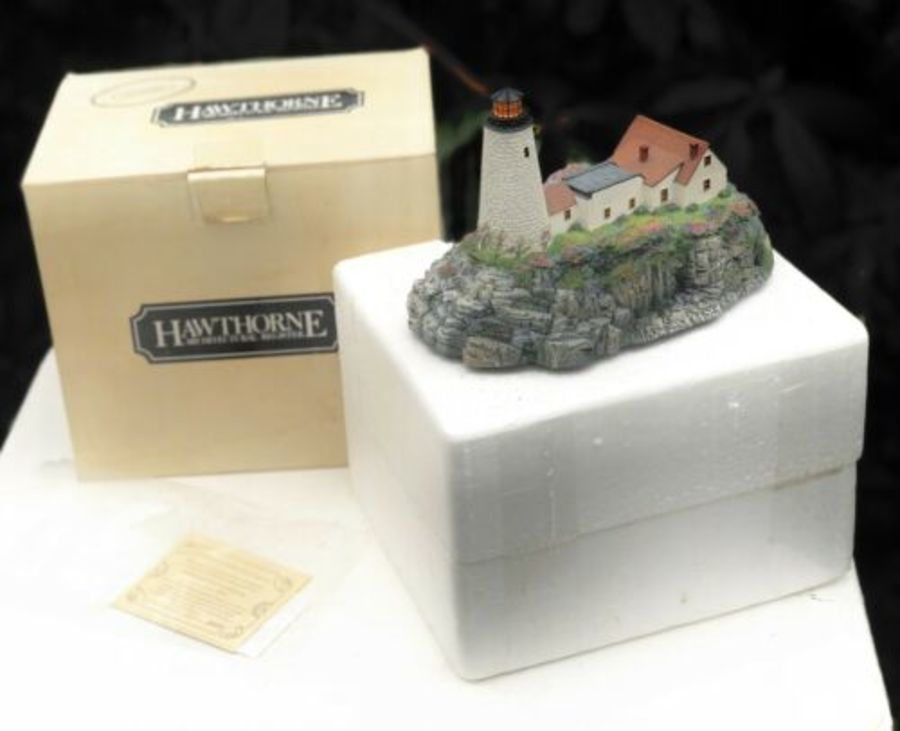 Hawthorne Portland Head Lighthouse Diorama Figure Figurine Sculpture Ornament