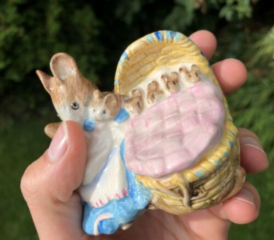 Antique Royal Albert Hunca Munca Beatrix Potter Bunny Baby Bunnies Figure Figurine