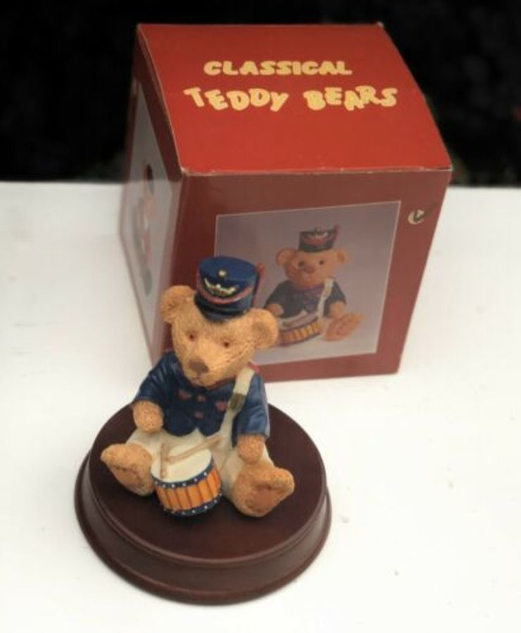 Minster Giftware Classical Teddy Bears Resin Drumming Drummer Design Figure