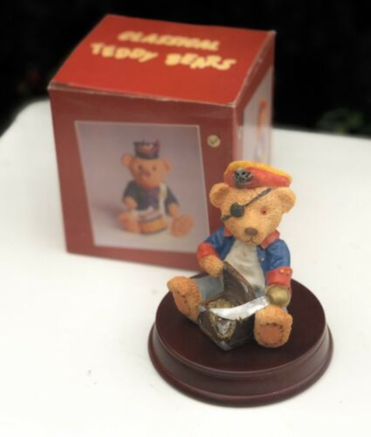 Minster Giftware Classical Teddy Bears Resin Pirate Treasure Design Figure