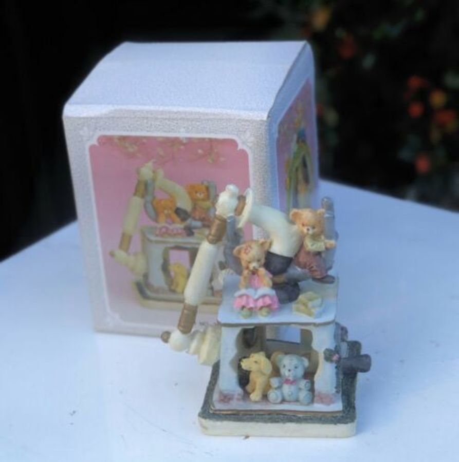 Minster Giftware Handmade Resin Phone Telephone House Cottage Teddy Bear Figure