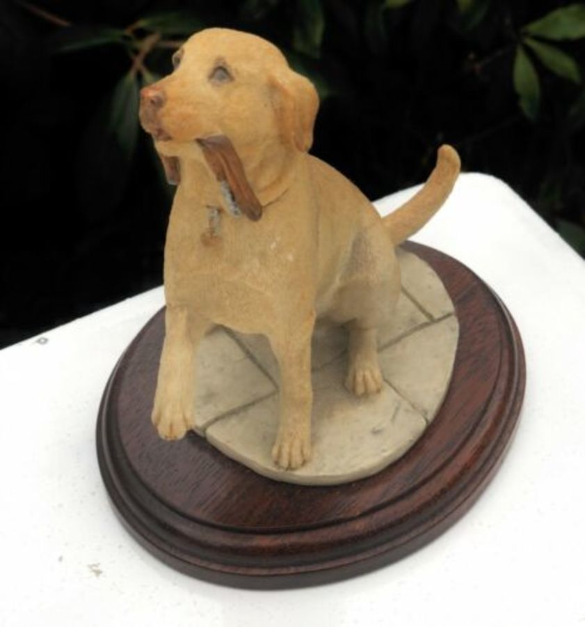 Sherratt & Simpson Dog With Collar In Mouth Figure Figurine Sculpture Ornament
