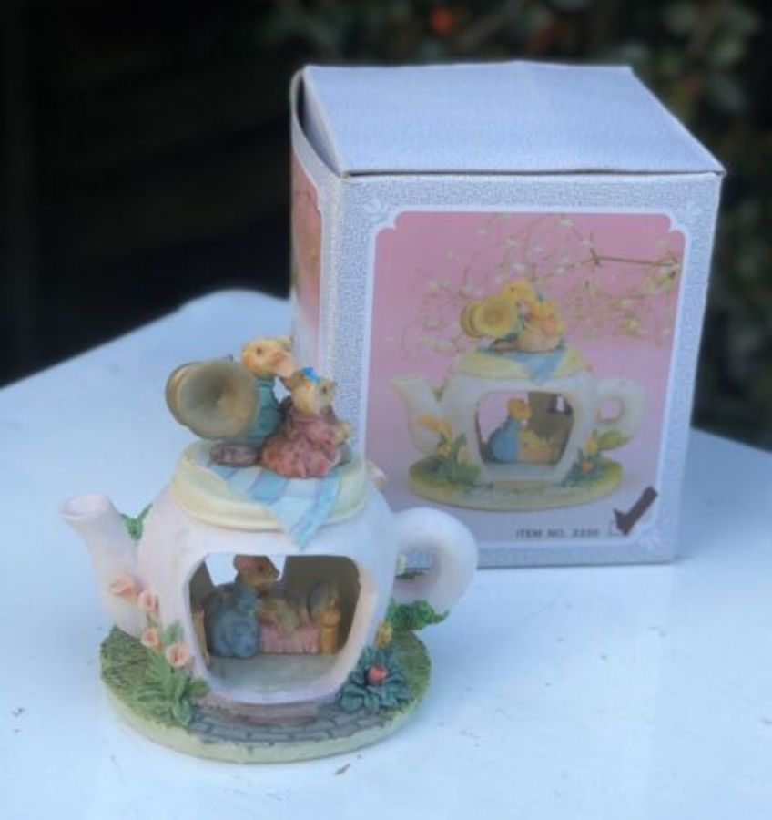 Minster Giftware Handmade Resin Teapot House Cottage Trumpet Musical Mice Mouse