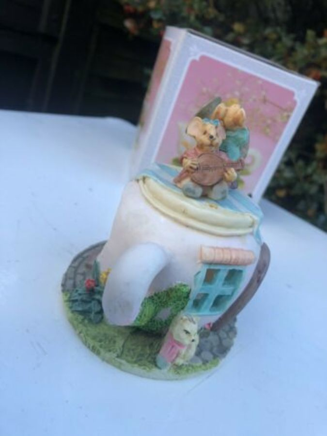 Antique Minster Giftware Handmade Resin Teapot House Cottage Trumpet Musical Mice Mouse