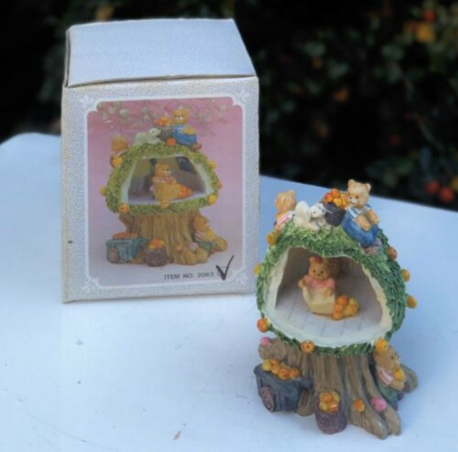 Minster Giftware Handmade Resin Teapot House Cottage Teddy Bear Peach Tree House