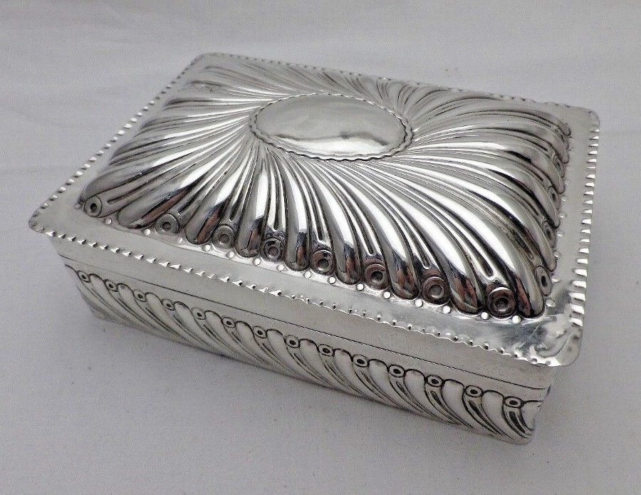 Antique Solid Silver Cigarette Jewellery Box William Comyns 1895 (1082-9-VOW)