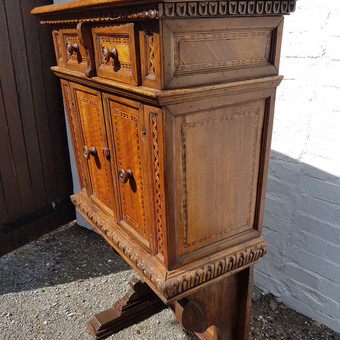 Antique Antique Florentine inlaid walnut cabinet c.1600