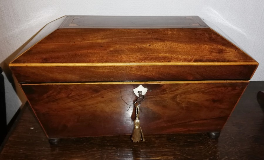 Regency period Dated  3 compartment Mahogany Tea Caddy with original key  C.1816