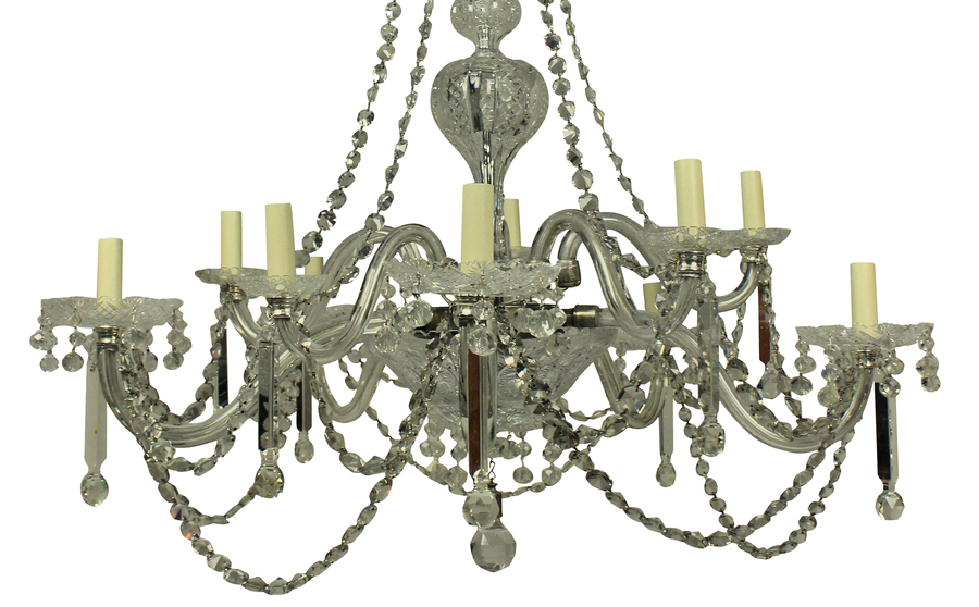 Antique A LARGE XIX CENTURY ENGLISH CUT GLASS CHANDELIER