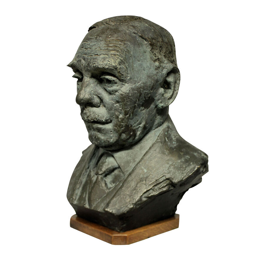 A BRONZE BUST IN THE MANNER OF EPSTEIN