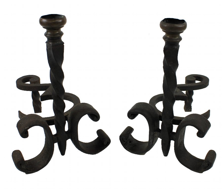 A PAIR OF WROUGHT IRON CHENET C.1900