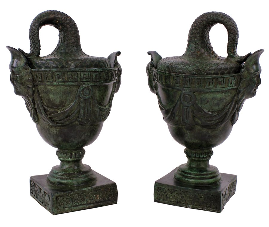 A PAIR OF BRONZE TAZZAS