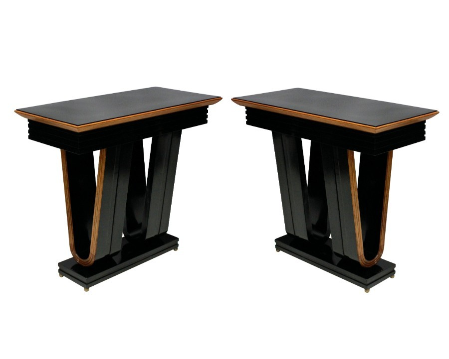A PAIR OF STYLISH ITALIAN CONSOLES