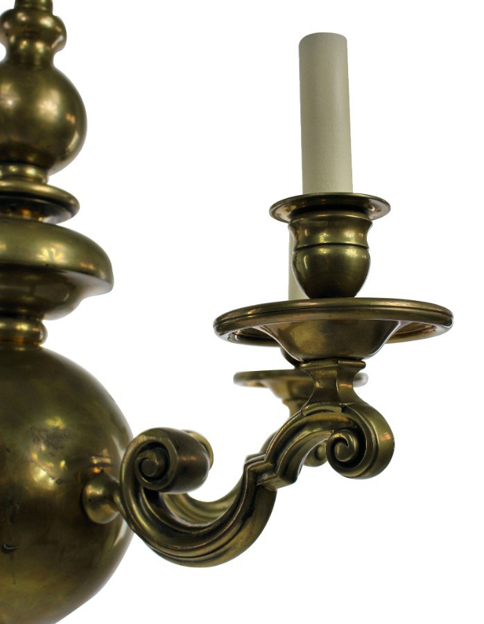 Antique A XIX CENTURY FLEMISH CHANDELIER IN BRASS