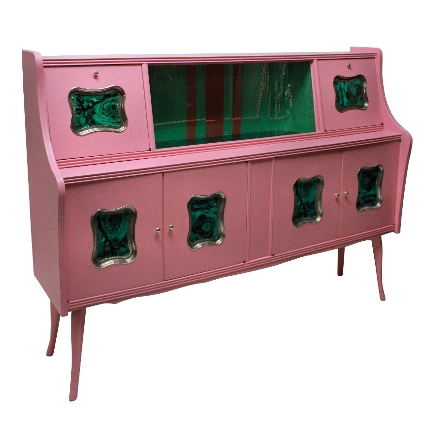 AN ITALIAN MID CENTURY BAR CABINET IN PINK LACQUER WITH MALACHITE PANELS
