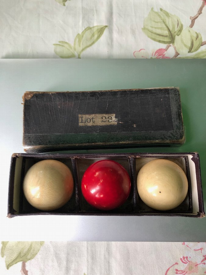 Set of 3 vintage Victorian ivory billiard balls