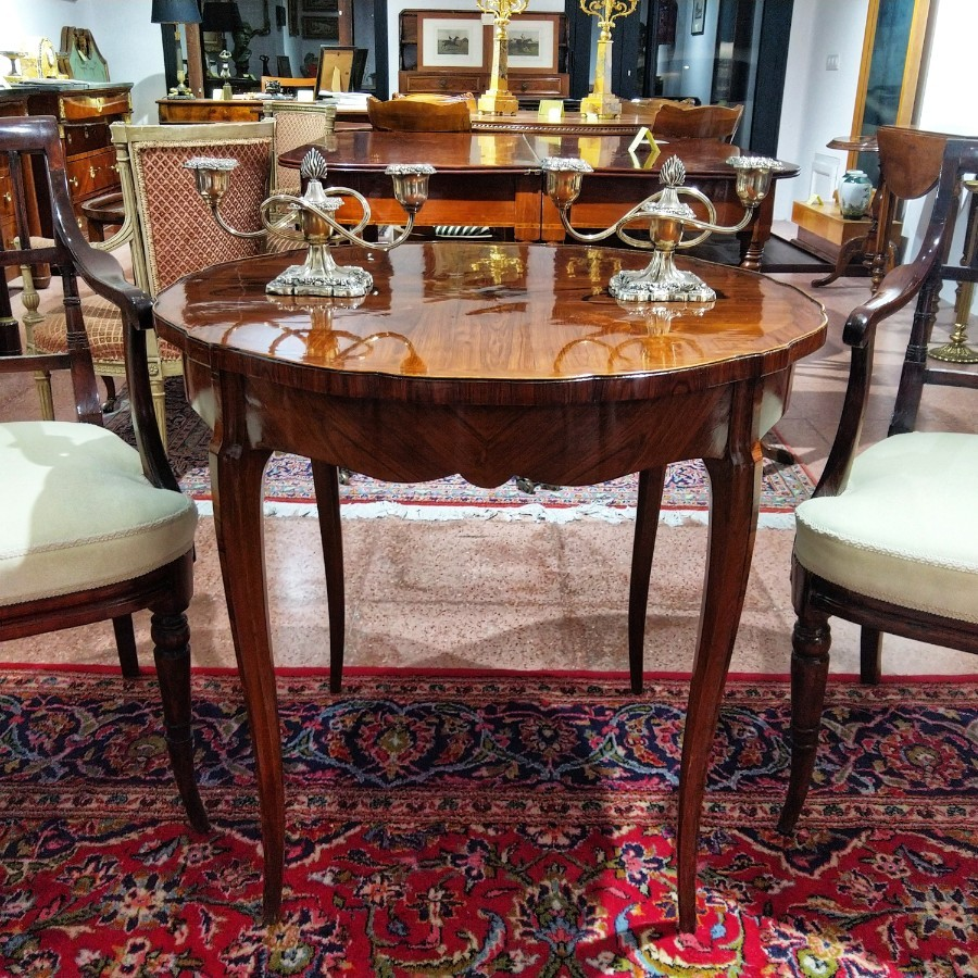 Italian Pedestal Table In Rosewood Luis XV Style 19th Century
