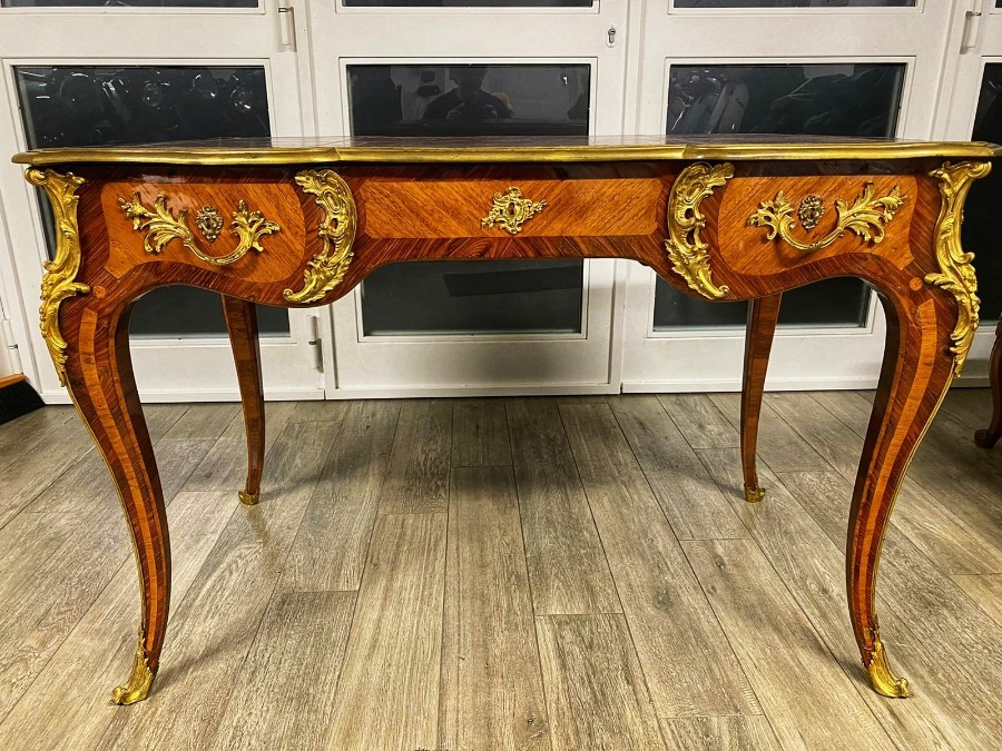 Louis XV Style Flat Desk In Amaranth Wood and Rosewood And Gilt Bronze 19th Century