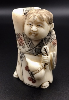 Antique SN170 Small oriental carved figure.