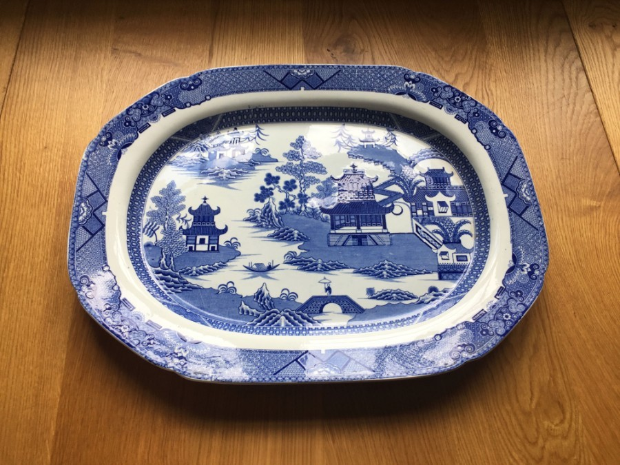 A Spode early 19thC blue and white meat platter.