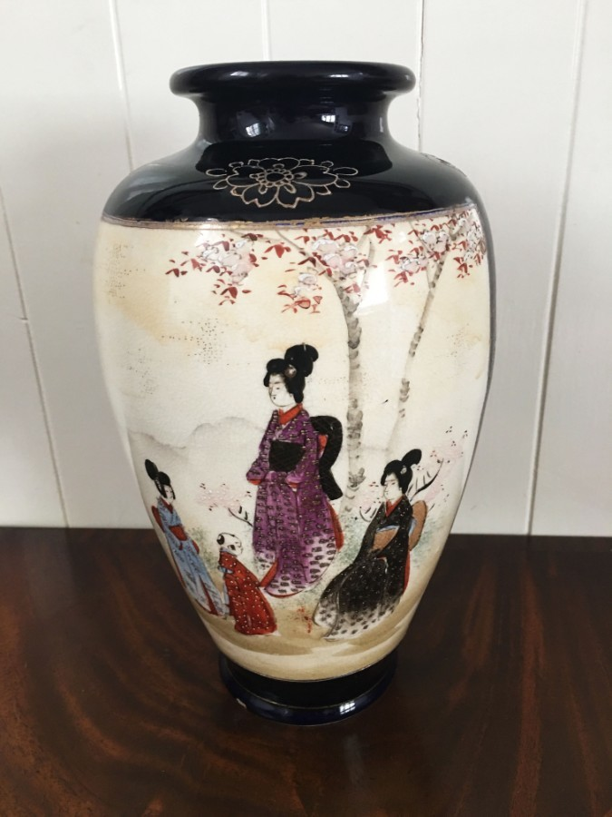 20th Century Japanese Satsuma vase.