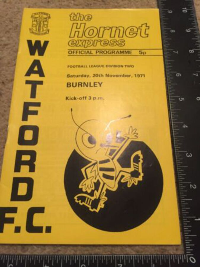 Watford Football Club Programme Burnley 20th November 1971 Division 2