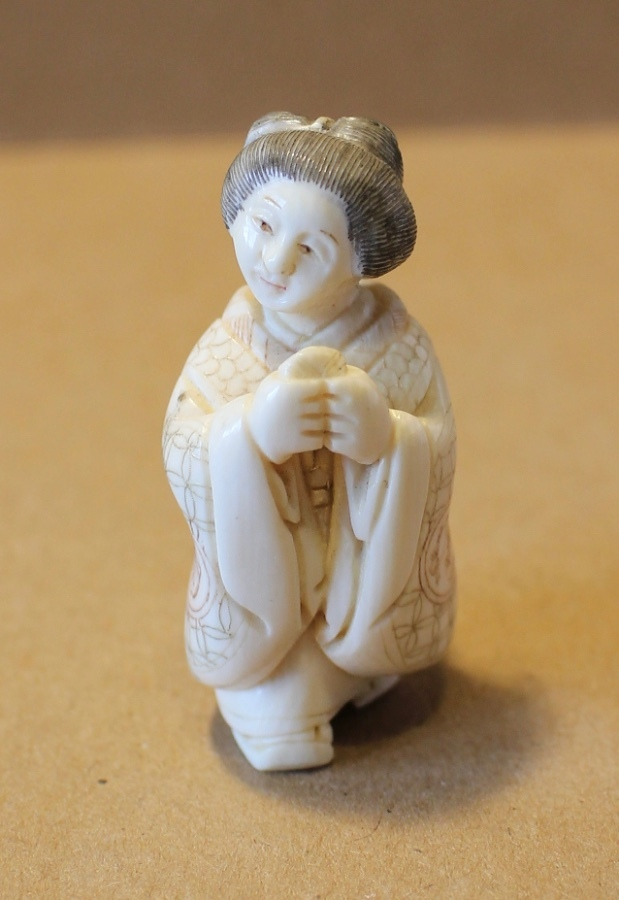 19th Century Meiji period Japanese hand carved Ivory Netsuke