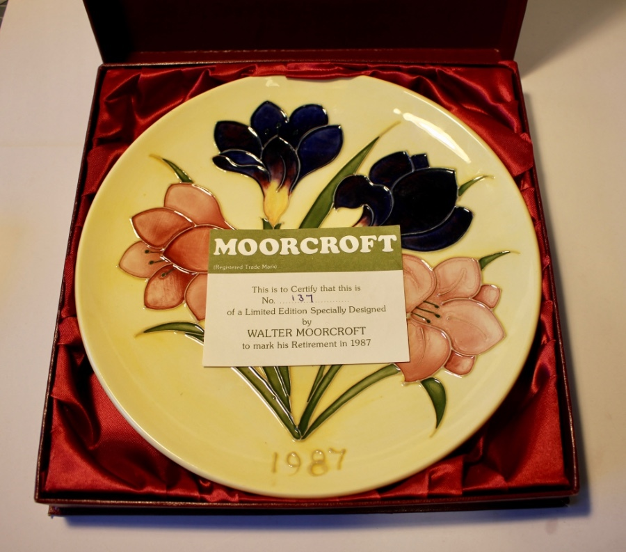 Antique Moorcroft Anniversary Plate 1987 Limited Edition Mint, Boxed and Certificated.