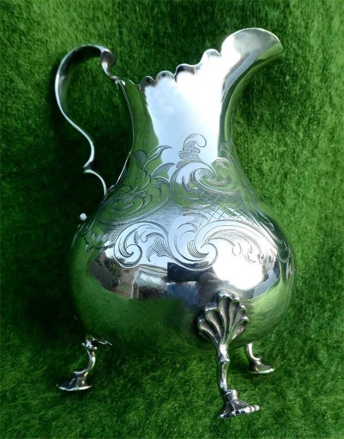 Antique SOLID SILVER MILK/CREAM JUG BY DANIEL & CHARLES HOULE - LONDON 1856