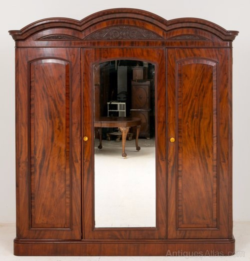 William IV Mahogany Gentlemans Wardrobe