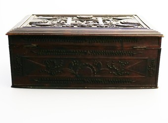 Antique Antique Oriental : a large Chinese carved Box C.1900+