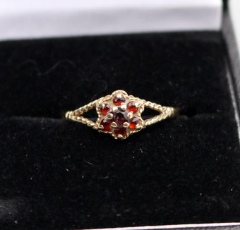 Antique Antique Jewellery 9ct Gold & Garnet Ring Size Q 1/2 Boxed C.early - mid 20thC