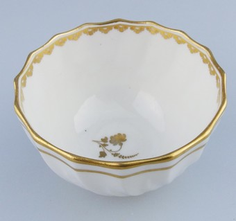 Antique Antique English Porcelain : A good Derby Tea Bowl : late 18th/early 19thC