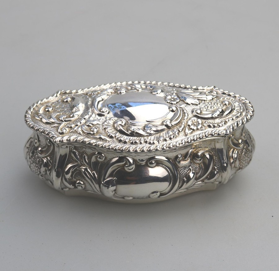 Antique Solid Silver an Edwardian gilt lined repousse Box C.1905