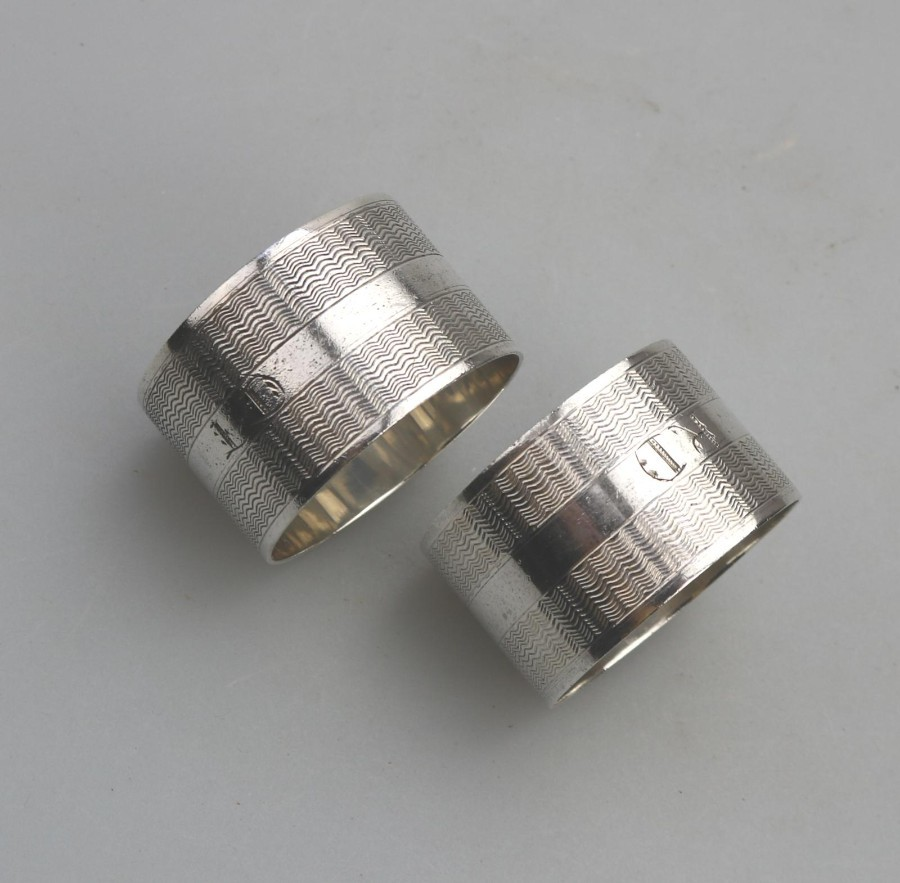 Antique Solid Silver a pair Art Deco Napkin Rings Birmingham Roberts Dore C.1921