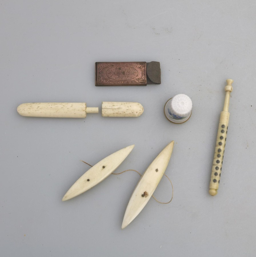 Antique Sewing : Lot Sewing Items Spinner etc… C.19thC