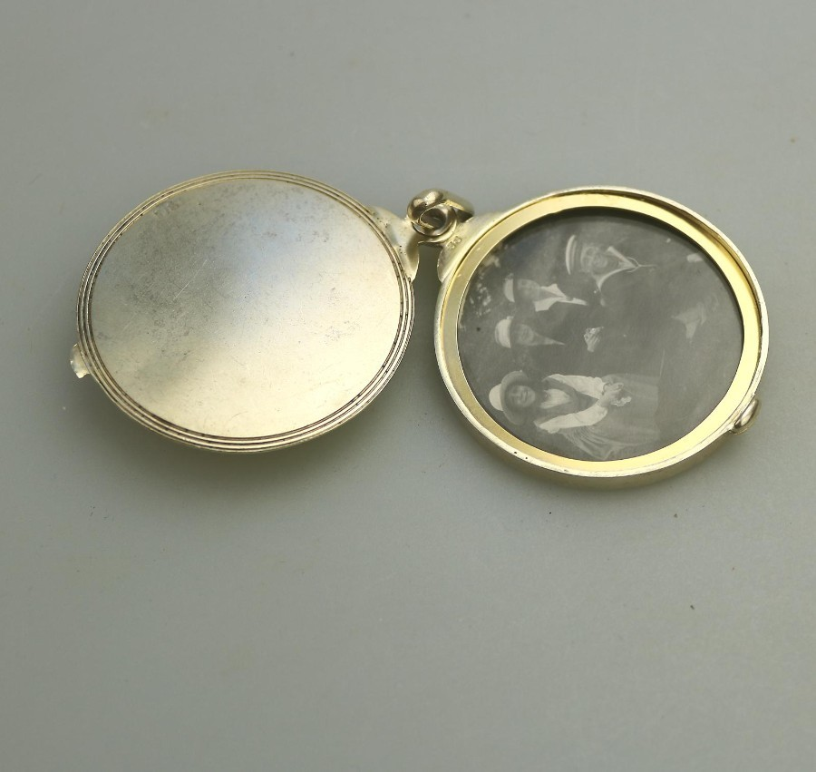 Antique Solid Silver good Silver Gilt Travelling Photograph Frame Chester C.1900