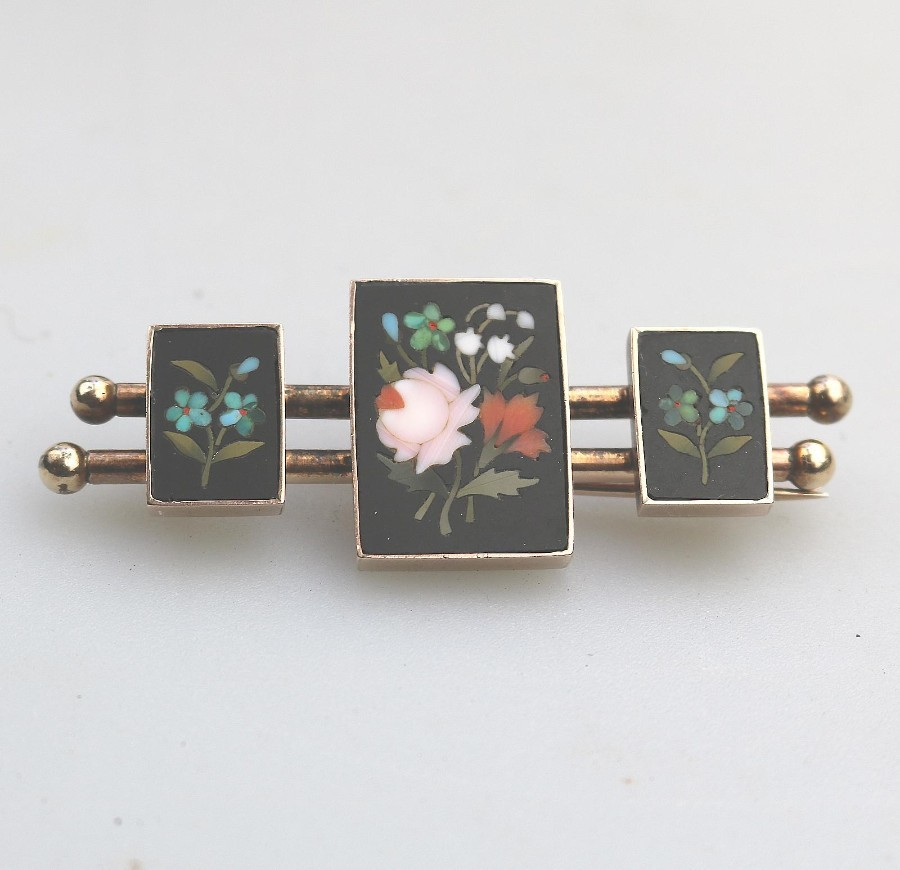 Antique Jewellery V Unusual Victorian Pietra Dura Brooch 15ct gold boxed C.19thC