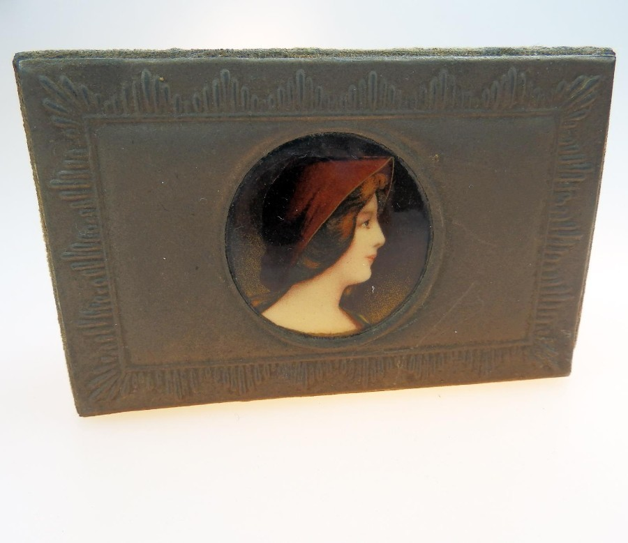 Arts & Crafts Antique Boxes an unusual stud/ring Box with Roundel C.19thC