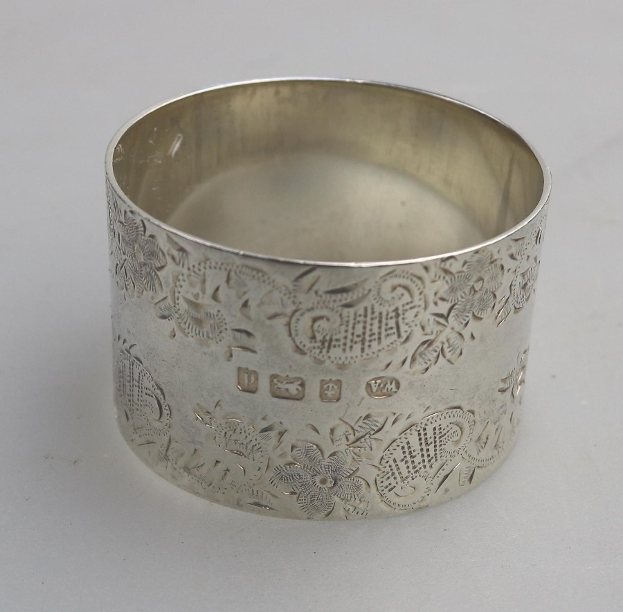 Antique Solid Silver a good grade chased Napkin Ring Birm C.1903