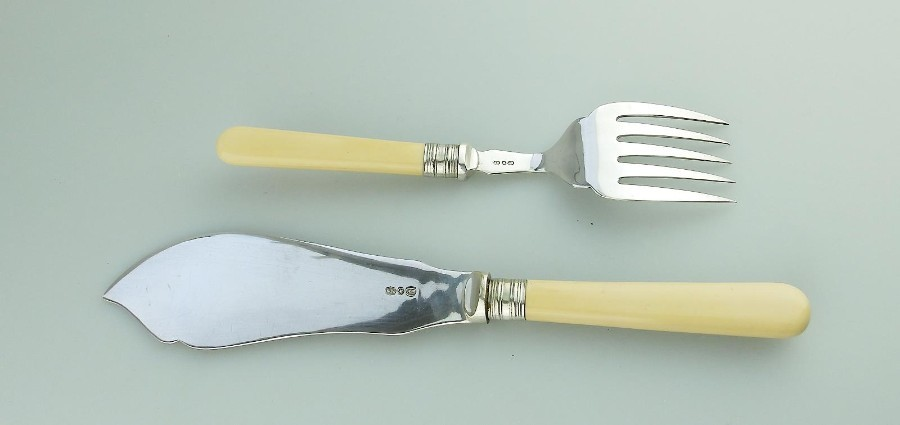 Antique Antique Silver Plate a pair of Fish Servers Slice & Fork C.1900-30