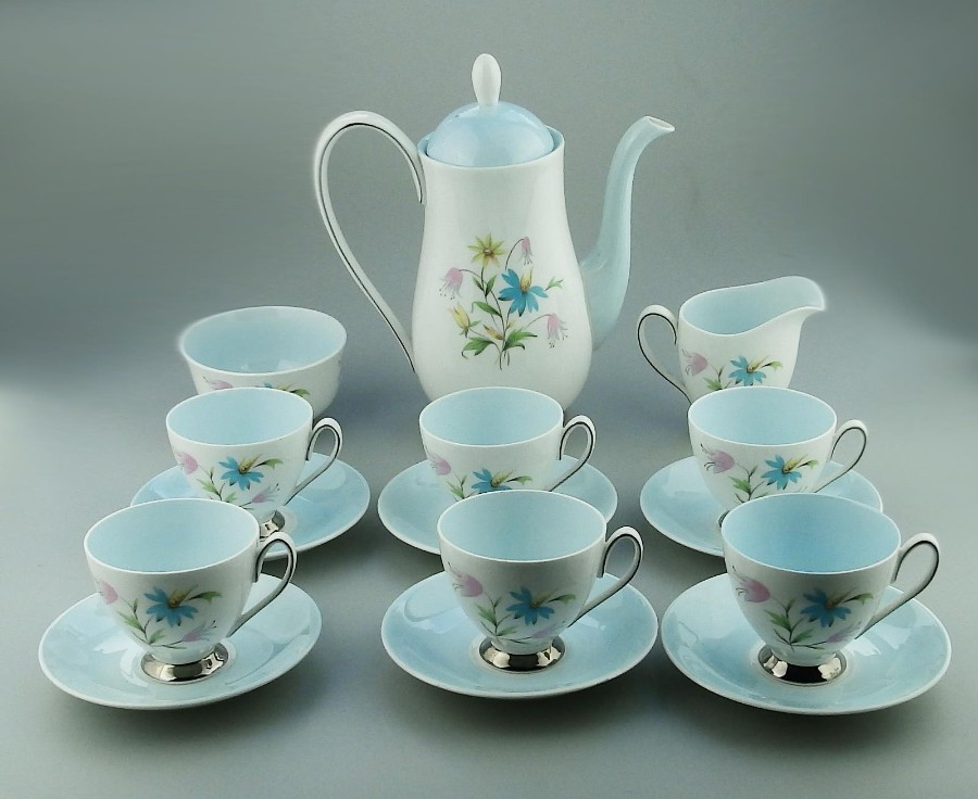 Vintage China : Beautiful Queen Anne Linda pattern Coffee Set 15 pieces C. mid 20thC