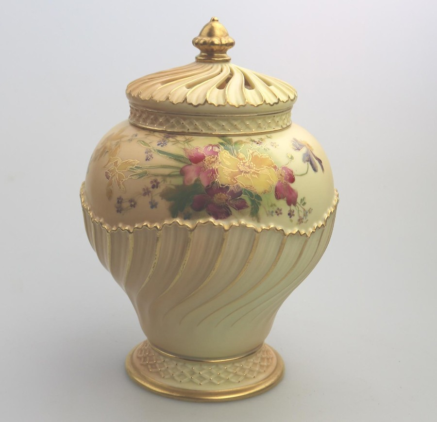 Antique Porcelain Large Royal Worcester Blush Potpourri Vase 1720 1903