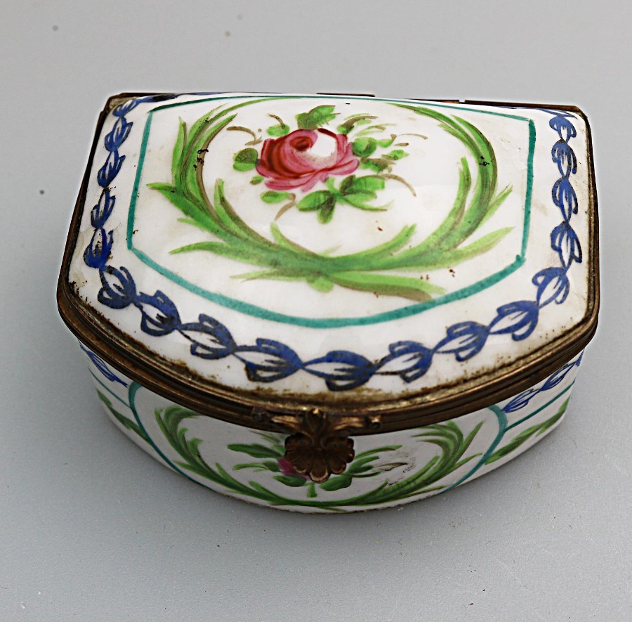 Antique Sevres Porcelain a French h/painted Trinket Snuff Box C.19thC