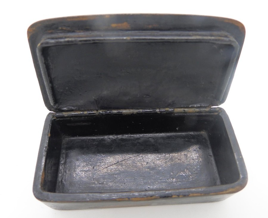 Antique Antique English Collectibles a Georgian Paper Mache & MOP Snuff Box C. early19thC