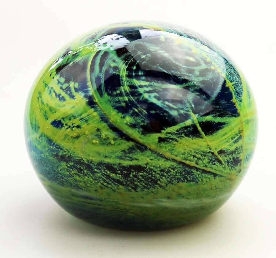 Art Glass : A good & large Maltese Mdina Magnum Paperweight C.1970's
