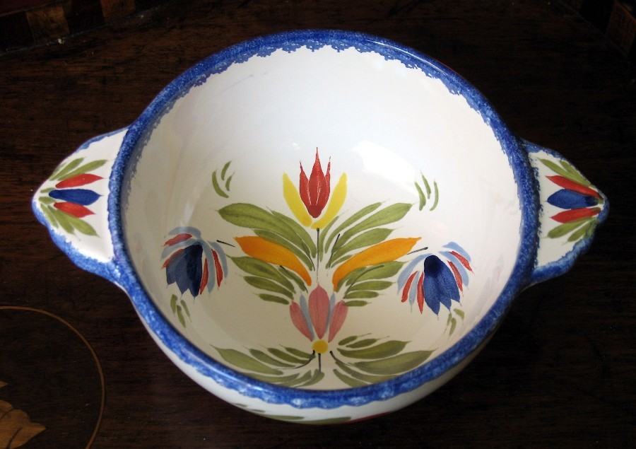French Henriot Quimper a faience Bowl decorated with abstract flora design