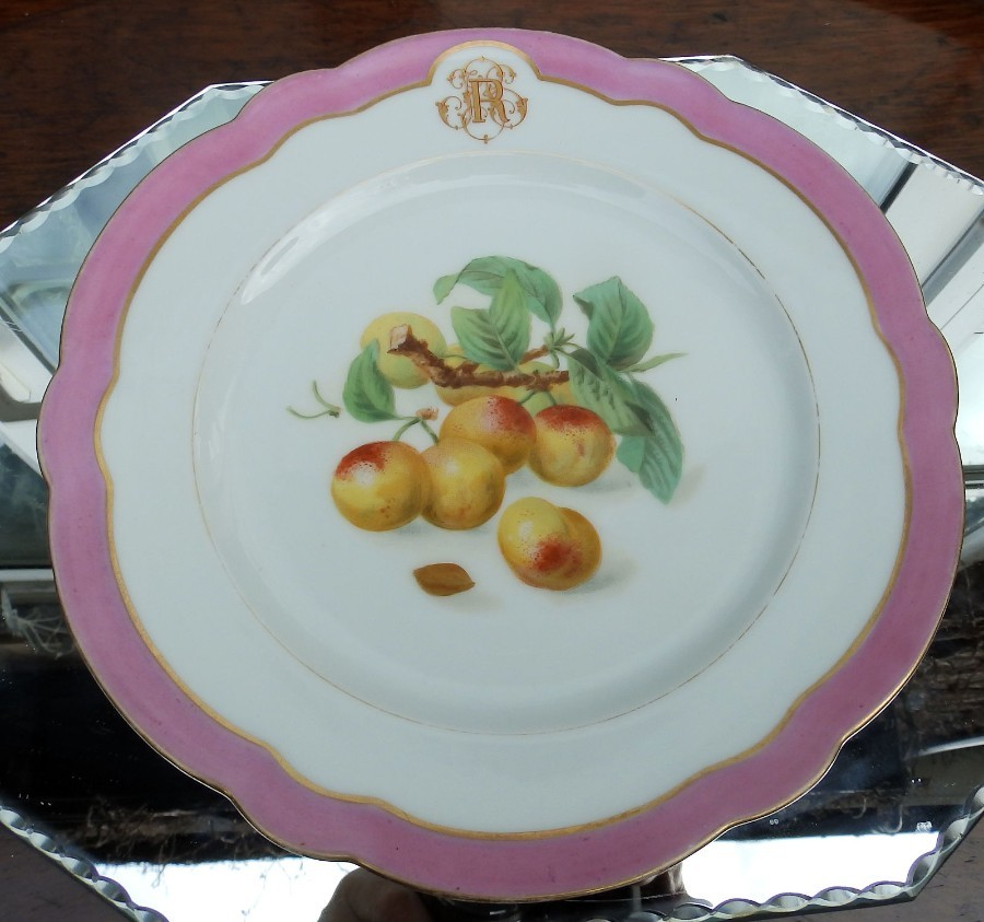 Antique Paris Porcelain : A Fine Pillivuyt & Co hand painted scalloped Plate C19th