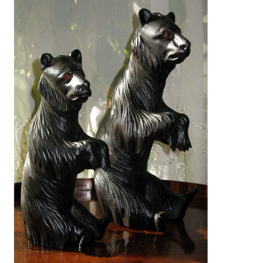 Antique large and fine pair of Black Forest Bears glass eyes C.19thC