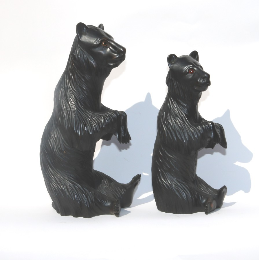 Antique Treen : A large and fine pair of Black Forest Begging Bears with glass eyes C.19thC